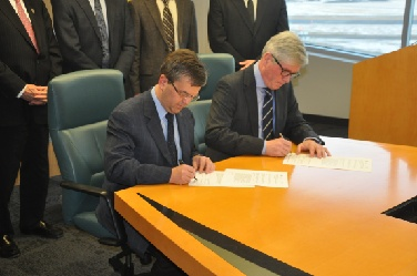 AER and Deltares - Signing MoU