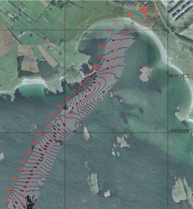 Aerial photograph of the bay wit the planned cable route (in red)
